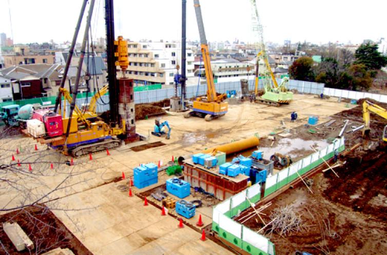 明冶大学中野キャンパス既存杭引抜工事
